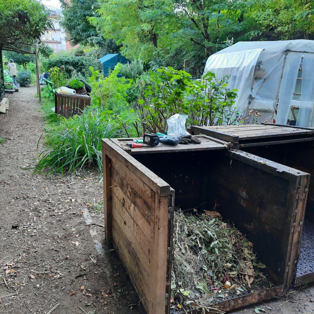 Déplacement des bacs à compost le 10 octobre 2021
